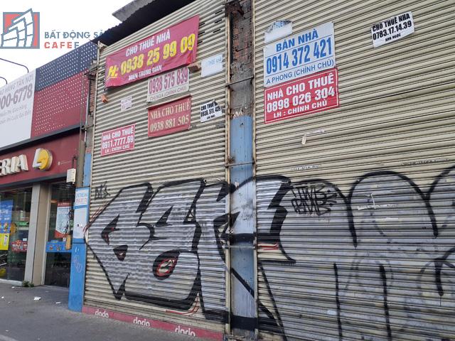 Cho thuê mặt bằng nhà phố trung tâm Tp.HCM ảm đạm, đóng cửa hàng loạt vì dịch Covid-19 - Ảnh 1.