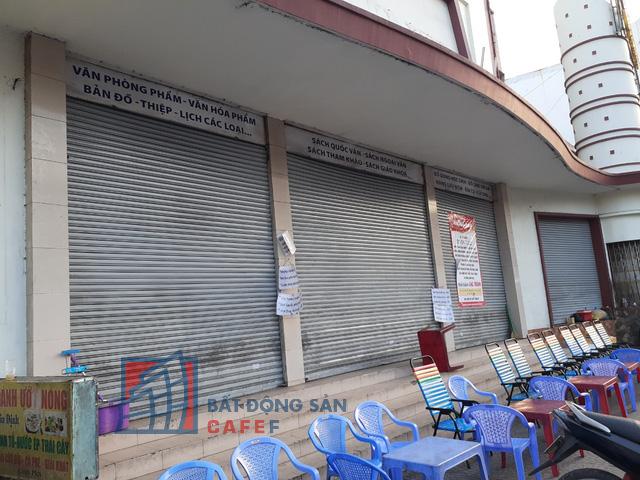 Cho thuê mặt bằng nhà phố trung tâm Tp.HCM ảm đạm, đóng cửa hàng loạt vì dịch Covid-19 - Ảnh 3.