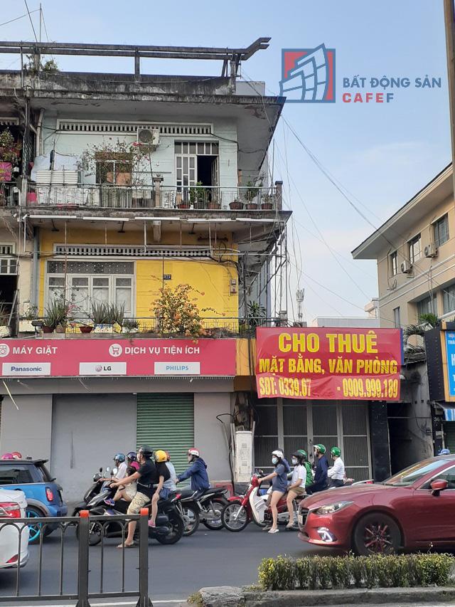 Cho thuê mặt bằng nhà phố trung tâm Tp.HCM ảm đạm, đóng cửa hàng loạt vì dịch Covid-19 - Ảnh 2.