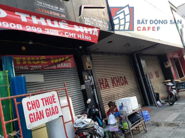 Cho thuê mặt bằng nhà phố trung tâm Tp.HCM ảm đạm, đóng cửa hàng loạt vì dịch Covid-19 - Ảnh 7.