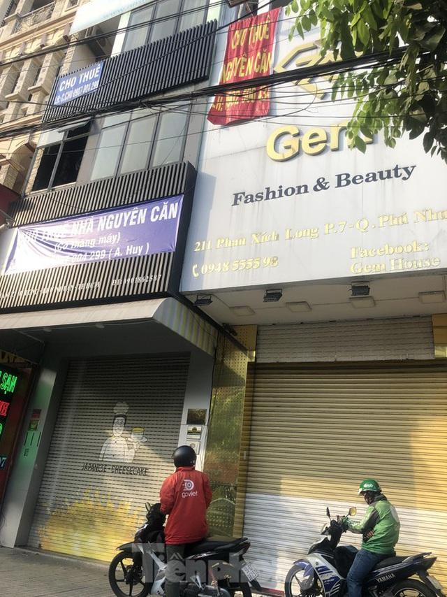Kinh doanh ế ẩm, quán xá ở Sài Gòn thi nhau dẹp tiệm - Ảnh 1.  Kinh doanh ế ẩm, quán xá ở Sài Gòn thi nhau dẹp tiệm photo 1 15834763706961889046595