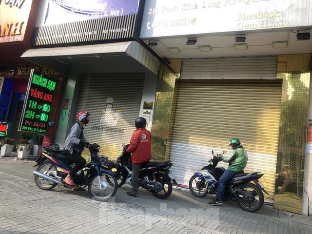 Kinh doanh ế ẩm, quán xá ở Sài Gòn thi nhau dẹp tiệm - Ảnh 2.  Kinh doanh ế ẩm, quán xá ở Sài Gòn thi nhau dẹp tiệm photo 1 1583476374597113944880