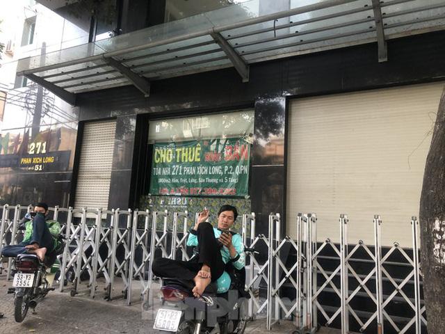 Kinh doanh ế ẩm, quán xá ở Sài Gòn thi nhau dẹp tiệm - Ảnh 12.  Kinh doanh ế ẩm, quán xá ở Sài Gòn thi nhau dẹp tiệm photo 11 1583476374606587795963