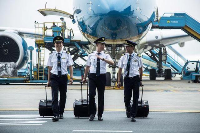 Vì sao Vietnam Airlines thừa gần 200 phi công? - Ảnh 1.