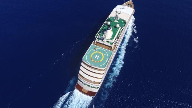 Sống trên du thuyền tránh dịch Covid-19, giới siêu giàu lập cả bệnh viện mini, thuê y tá chuyên nghiệp để chăm sóc sức khỏe - Ảnh 1.