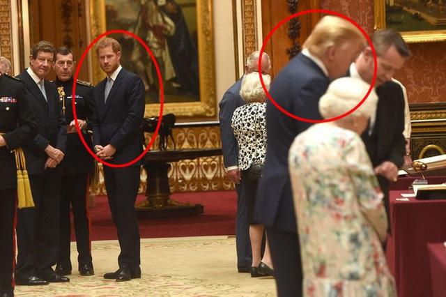 Chuyên gia phân tích lý do khiến ông Donald Trump từ chối hỗ trợ nhà Meghan Markle, hóa ra là bắt nguồn từ sự ích kỷ của nhà Sussex - Ảnh 1.