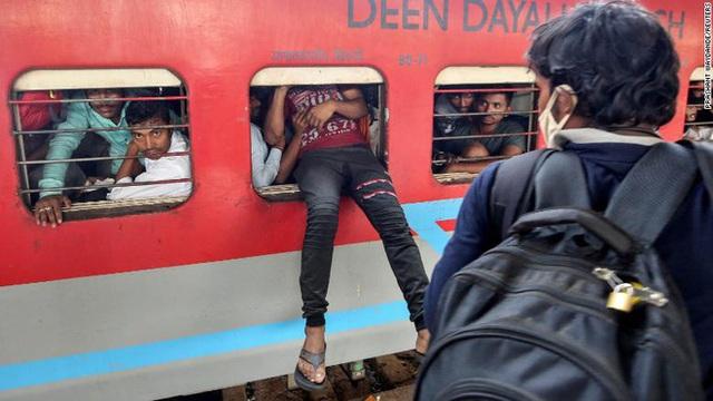1 toilet, ngàn người sử dụng: Khi cách ly trở thành đặc quyền của giới nhà giàu Ấn Độ, còn dân nghèo thì không thể - Ảnh 5.