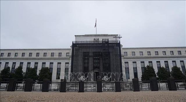 FED công bố gói biện pháp tài chính tiếp theo trị giá 2.300 tỷ USD hỗ trợ nền kinh tế Mỹ - Ảnh 1.