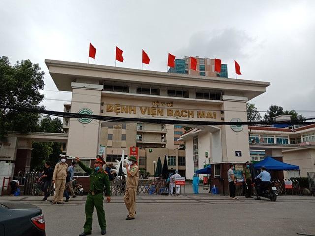 Chủ tịch Hà Nội: Chấm dứt cách ly y tế đối với ổ dịch Bệnh viện Bạch Mai từ ngày 12-4 - Ảnh 2.