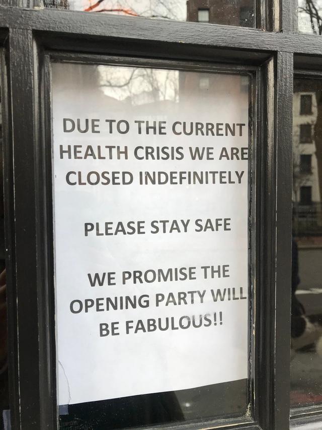 Phải đóng cửa vì dịch, các cửa hàng ở New York không quên trấn an khách hàng bằng những thông điệp vui vẻ, tích cực: Cẩn thận nhé, nhất định chúng tôi sẽ trở lại - Ảnh 10.