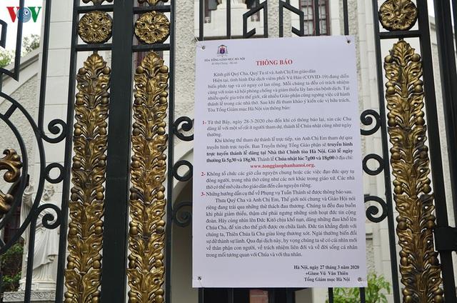 Ảnh: Nhà thờ ở Hà Nội vắng lặng dịp Lễ Phục sinh, tổ chức trực tuyến tránh Covid-19 - Ảnh 2.