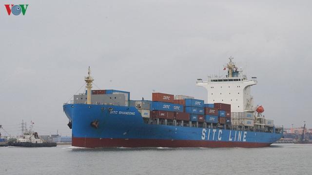 Cảng biển Hải Phòng duy trì hoạt động trong mùa dịch Covid-19 - Ảnh 2.