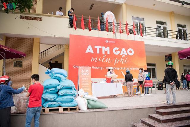 Thêm máy ATM phát gạo miễn phí tại Hà Đông cho người nghèo - Ảnh 12.