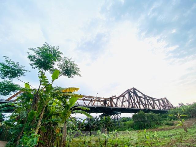 Nườm nượp người tập thể dục trên cầu Long Biên chiều cuối tuần - Ảnh 15.