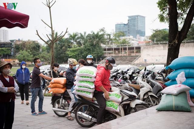 Thêm máy ATM phát gạo miễn phí tại Hà Đông cho người nghèo - Ảnh 17.