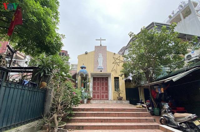 Ảnh: Nhà thờ ở Hà Nội vắng lặng dịp Lễ Phục sinh, tổ chức trực tuyến tránh Covid-19 - Ảnh 9.