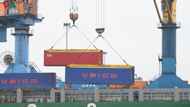 Cảng biển Hải Phòng duy trì hoạt động trong mùa dịch Covid-19 - Ảnh 9.