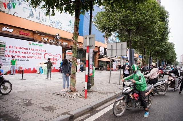 Thêm máy ATM phát gạo miễn phí tại Hà Đông cho người nghèo - Ảnh 10.
