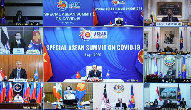 Chùm ảnh: Thủ tướng chủ trì Hội nghị cấp cao đặc biệt ứng phó COVID-19 - Ảnh 4.