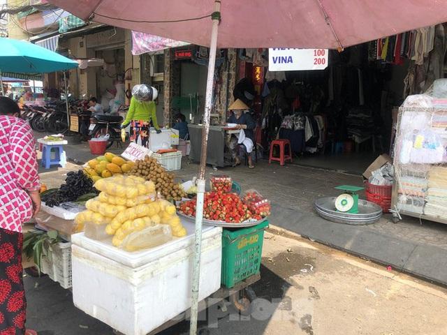 Thơm mini Thái Lan xuống đường, giá 120.000 đồng/kg - Ảnh 1.