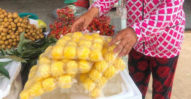 Thơm mini Thái Lan xuống đường, giá 120.000 đồng/kg - Ảnh 2.