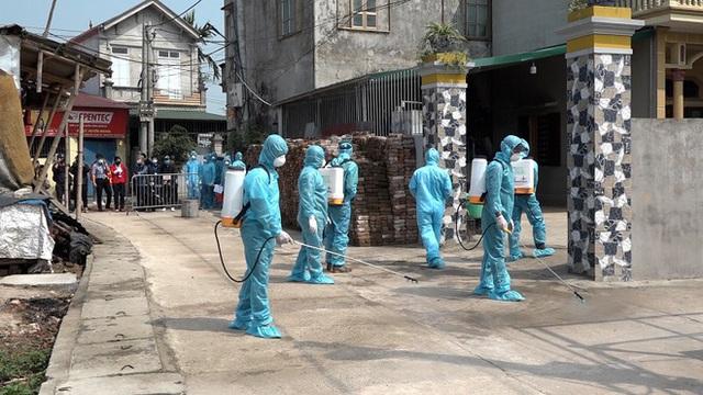 Thêm một thôn tại Hà Nội bị cách ly, xác định hơn 100 người liên quan BN 266 - Ảnh 1.