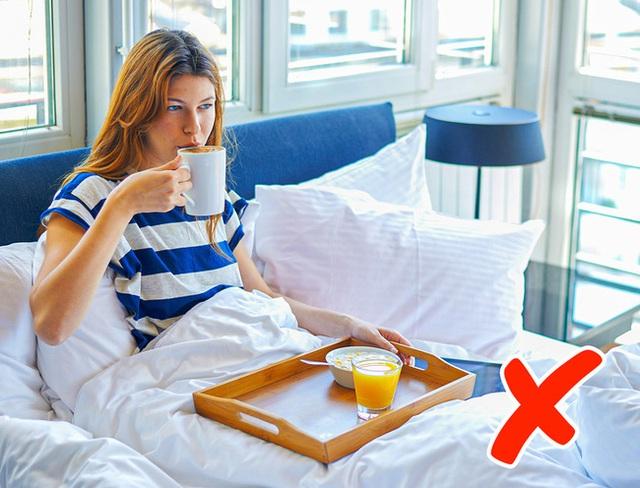 11 thực phẩm dù tốt cho cơ thể nhưng vẫn có thể gây hại nếu ăn sai thời điểm - Ảnh 2.