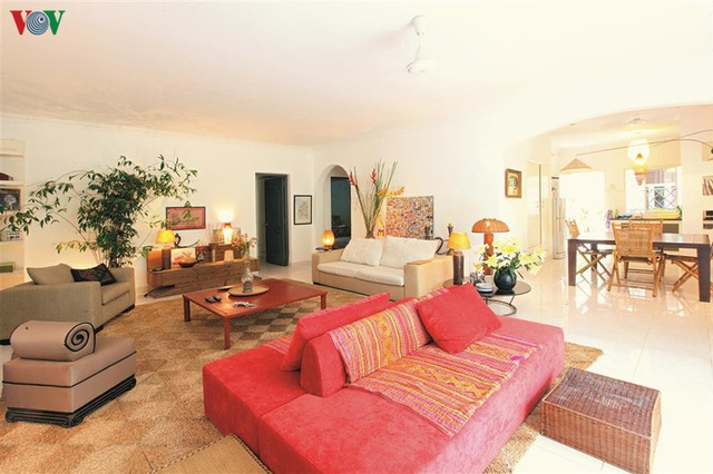 Ngôi nhà có phong cách nhiệt đới lịch lãm - Ảnh 1.