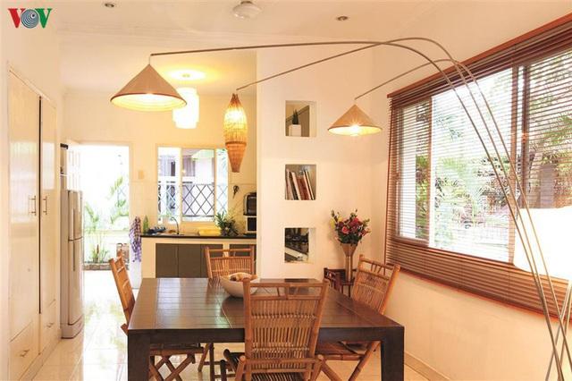 Ngôi nhà có phong cách nhiệt đới lịch lãm - Ảnh 6.