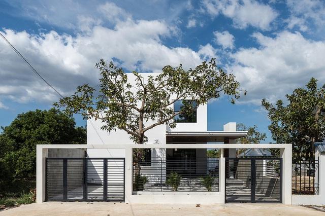 Ngôi nhà đơn giản, tiết kiệm chi phí xây dựng - Ảnh 1.