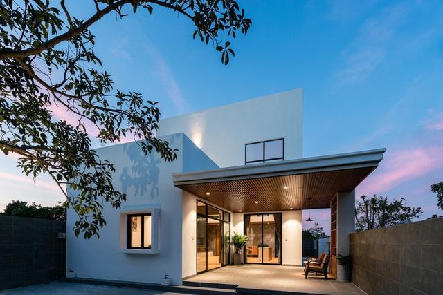 Ngôi nhà đơn giản, tiết kiệm chi phí xây dựng - Ảnh 2.