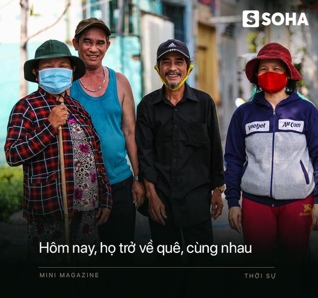 Bô lão vé số mùa Covid-19: Ba má ở Sài Gòn tiền lớn không có, chứ cơm rau người ta cho có thể sống qua ngày - Ảnh 19.