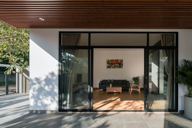 Ngôi nhà đơn giản, tiết kiệm chi phí xây dựng - Ảnh 4.