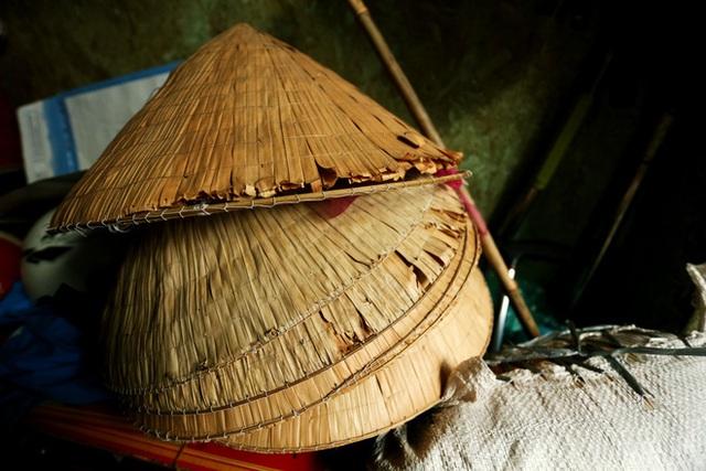 Bô lão vé số mùa Covid-19: Ba má ở Sài Gòn tiền lớn không có, chứ cơm rau người ta cho có thể sống qua ngày - Ảnh 7.