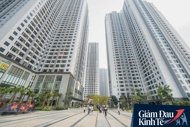 Thị trường căn hộ chịu áp lực lớn bởi dịch Covid-19, nhiều chủ đầu tư chuyển sang mô hình bán hàng trực tuyến - Ảnh 1.