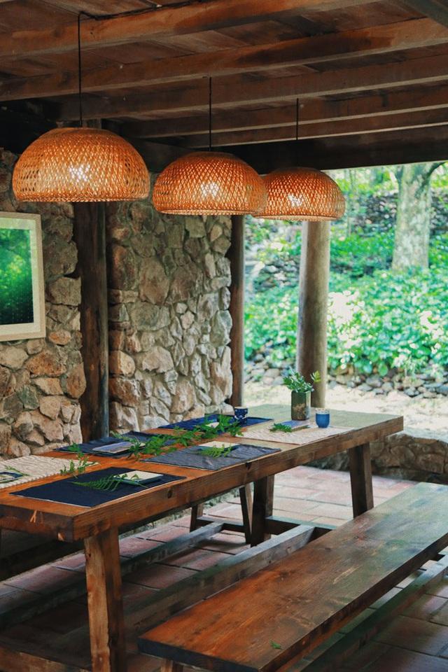Mê mẩn khu nhà trên núi có ao đầy cá, vườn trĩu quả - Ảnh 11.