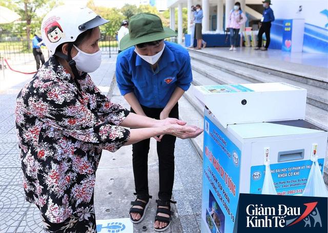 ATM gạo tự động đầu tiên ở Đà Nẵng: Không phân biệt bạn đi xe gì, ai cần cứ đến lấy! - Ảnh 3.