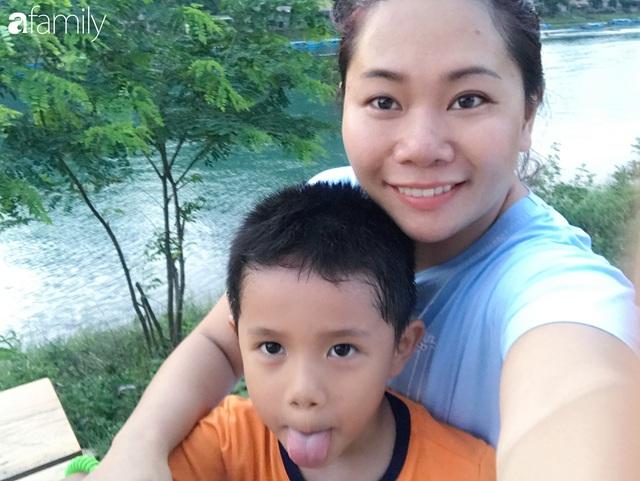 Vượt qua cú sốc con tự kỷ, nữ giám đốc ở Hà Nội đóng 4 cơ sở dạy tiếng Anh, đổi mọi công sức và tiền bạc lấy... 3 giây con nhìn vào mắt mình - Ảnh 3.