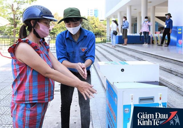 ATM gạo tự động đầu tiên ở Đà Nẵng: Không phân biệt bạn đi xe gì, ai cần cứ đến lấy! - Ảnh 4.