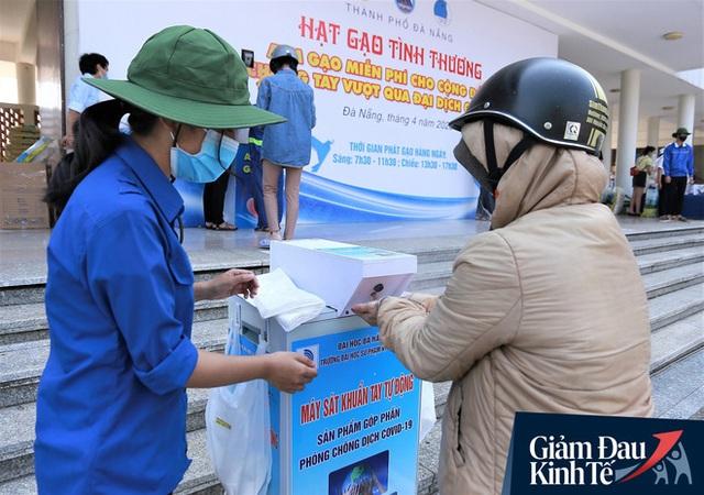 ATM gạo tự động đầu tiên ở Đà Nẵng: Không phân biệt bạn đi xe gì, ai cần cứ đến lấy! - Ảnh 5.