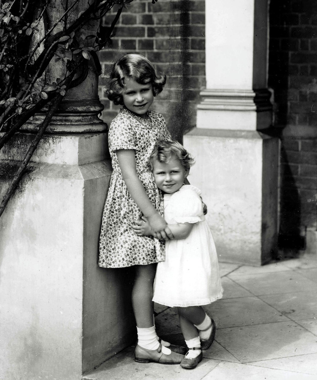 Nữ hoàng Elizabeth II: Từ công chúa sinh ra trong nhung lụa trở thành người phụ nữ quyền lực truyền cảm hứng cho hàng triệu trái tim - Ảnh 3.