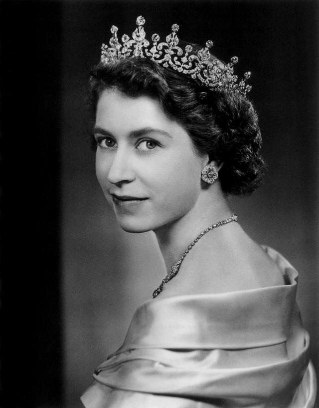 Nữ hoàng Elizabeth II: Từ công chúa sinh ra trong nhung lụa trở thành người phụ nữ quyền lực truyền cảm hứng cho hàng triệu trái tim - Ảnh 21.
