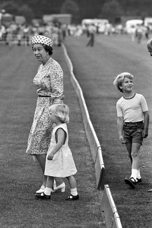 Nữ hoàng Elizabeth II: Từ công chúa sinh ra trong nhung lụa trở thành người phụ nữ quyền lực truyền cảm hứng cho hàng triệu trái tim - Ảnh 32.