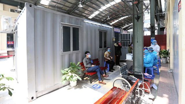 Cận cảnh phòng khám dã chiến bằng container ở bệnh viện phụ sản T.Ư - Ảnh 6.