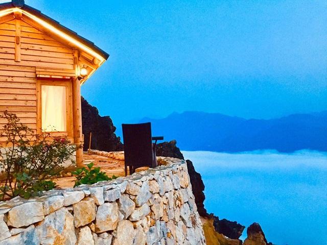 Đẹp ngỡ ngàng ngôi nhà gỗ săn mây trên đỉnh núi ở SaPa - Ảnh 8.