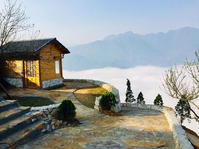Đẹp ngỡ ngàng ngôi nhà gỗ săn mây trên đỉnh núi ở SaPa - Ảnh 9.