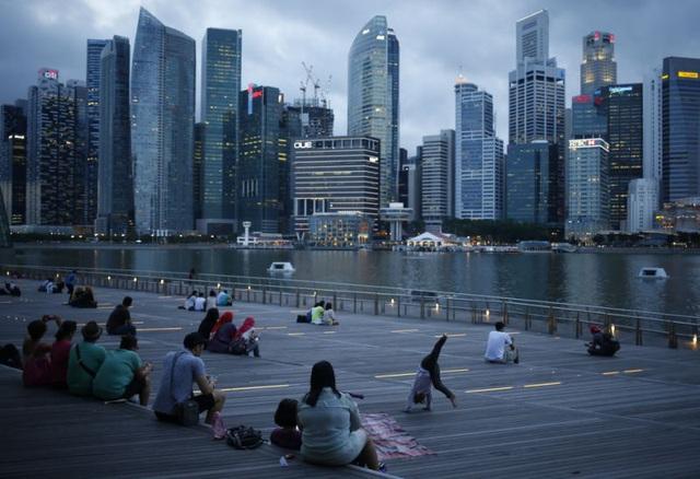 """[Gian lận & sụp đổ] Công ty dầu mỏ hàng đầu Singapore và """"sự thịnh vượng giả tạo"""" khiến HSBC cùng nhiều tên tuổi sắp mất trắng hơn 3 tỷ USD như thế nào? - Ảnh 1."""