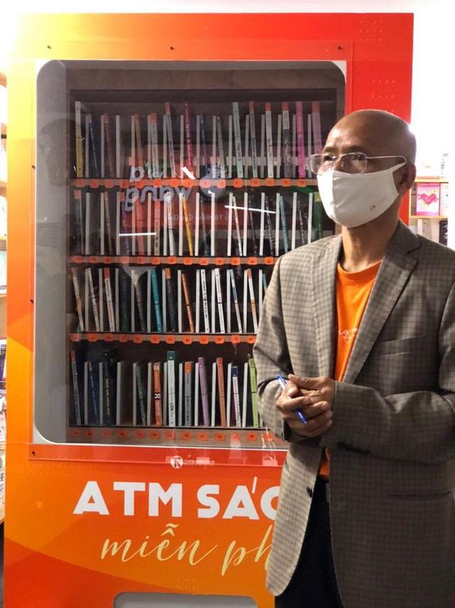 Cây ATM sách đầu tiên trên thế giới ra mắt tại Hà Nội: Tri thức sẽ giúp con người thoát nghèo bền vững - Ảnh 1.