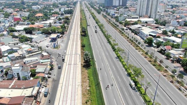Tuyến metro đầu tiên của Sài Gòn đang thi công tới đâu? - Ảnh 15.
