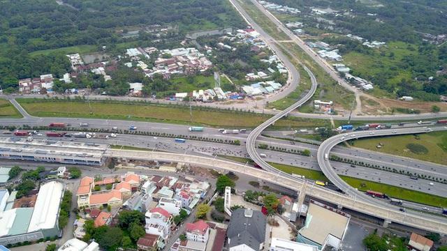 Tuyến metro đầu tiên của Sài Gòn đang thi công tới đâu? - Ảnh 19.